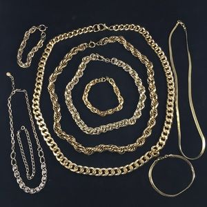 Jewelry - Lot of vintage gold tone chains & bracelets